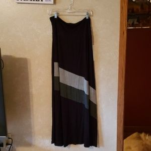Black and grey maxi skirt